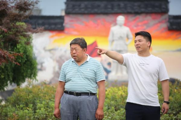 """第一书记吴锋成:传承""""红色""""精神,绘就""""为民""""底色"""
